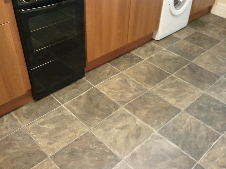 Wall Tiling, Floor Tiling, Ceramic Tiles, Vinyl Tiles And Carpet Tiles  Fitted And Installed In Chorley, Leyland And Preston Areas
